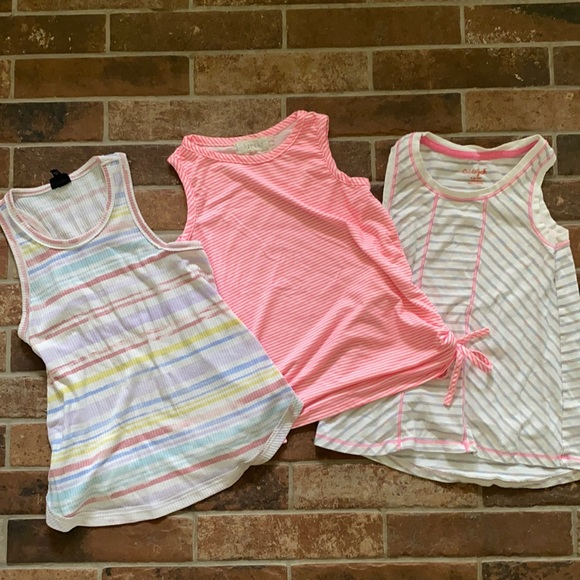 🌸Bundle of girls tank tops 6-8 pink stripes